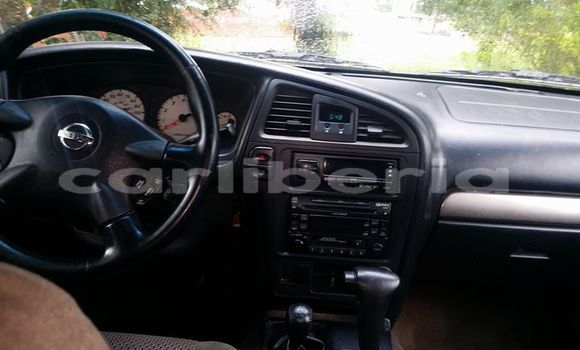 Buy Used Nissan Pathfinder Silver Car in Monrovia in Montserrado County