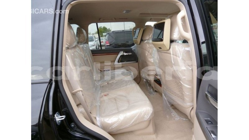 Big with watermark toyota land cruiser bomi county import dubai 2506