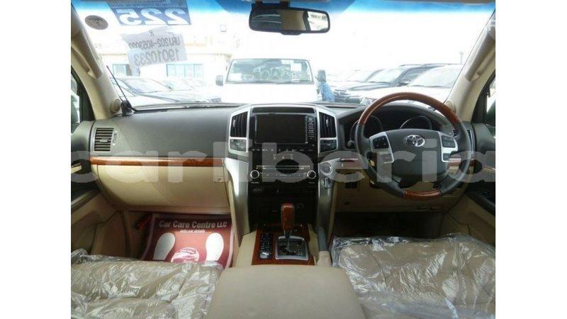 Big with watermark toyota land cruiser bomi county import dubai 2516