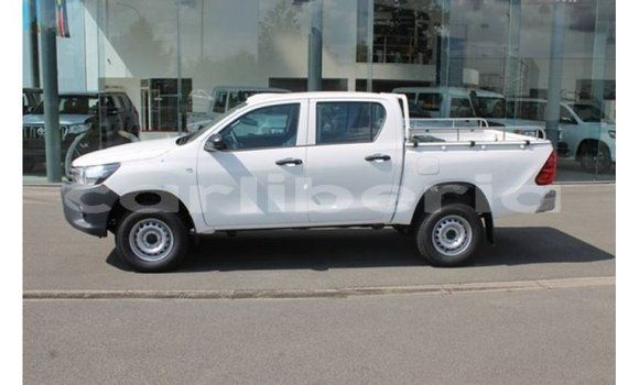 Medium with watermark toyota hilux bomi county import dubai 2582