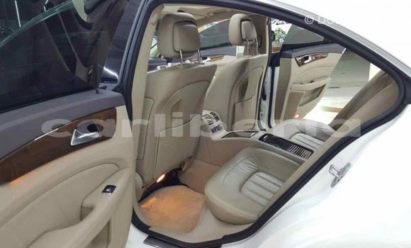 Buy Import Mercedes-Benz 190 (W201) White Car in Import - Dubai in Bomi County