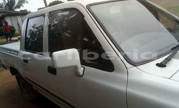 Buy Used Toyota Pickup White Car in Monrovia in Montserrado County