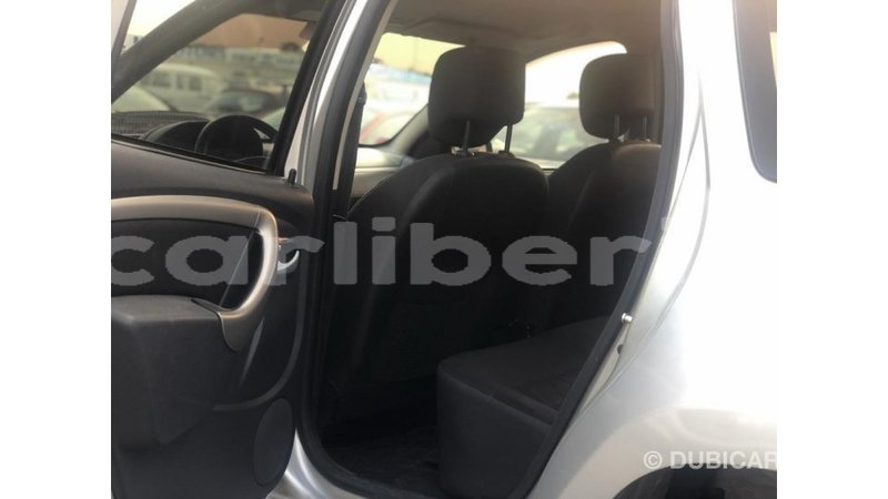 Big with watermark renault duster bomi county import dubai 4220