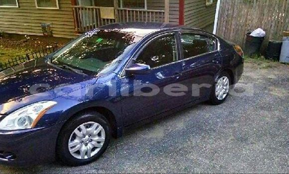 Buy Used Nissan Altima Blue Car in Monrovia in Montserrado County