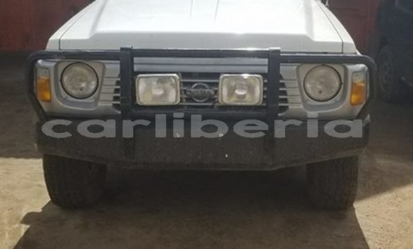 Buy Used Nissan Patrol White Car in Monrovia in Montserrado County