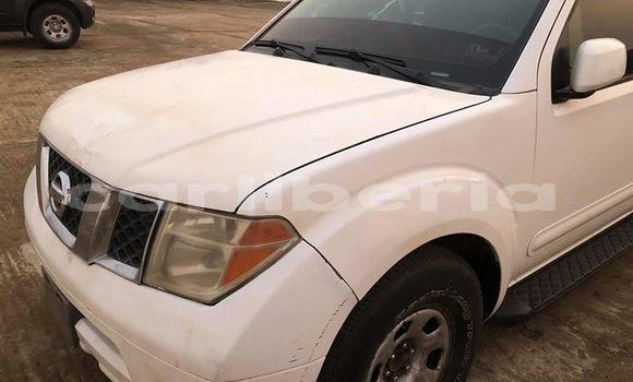 Buy Used Nissan Pathfinder White Car in Monrovia in Montserrado County