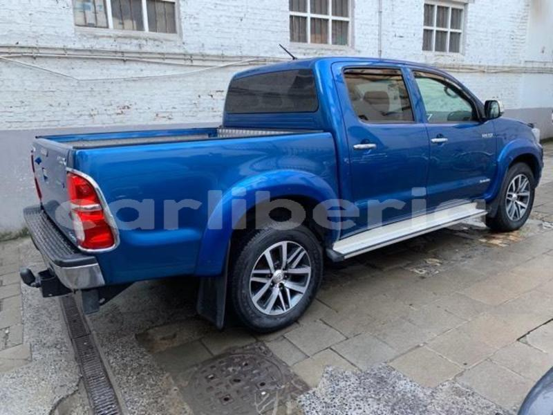 Big with watermark hilux3