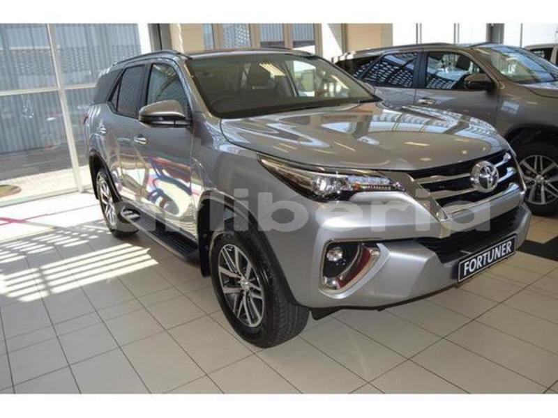 Big with watermark 2019 toyota fortuner 2