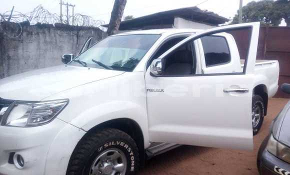 Buy Used Toyota Hilux White Car in Monrovia in Montserrado County